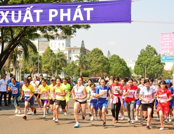 """Giải Việt dã toàn quốc và Marathon """"Giải Báo Tiền phong"""" lần thứ 59 - năm 2018 tại Buôn Ma Thuột Đắk Lắk"""