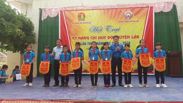 Huyện Lắk sôi nổi hội trại kỹ năng Chỉ huy Đội lần thứ I năm học 2017 - 2018