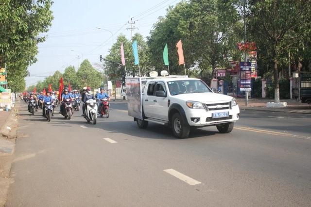 Tổ chức lễ phát động Thanh niên với văn hóa giao thông