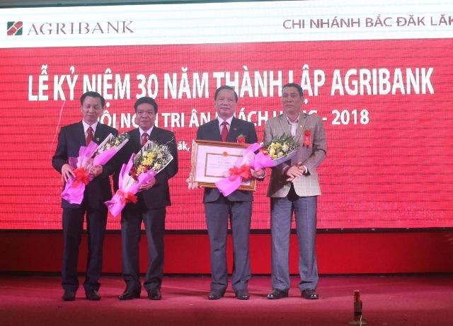 Agribank Bắc Đắk Lắk kỷ niệm 30 năm thành lập Agribank