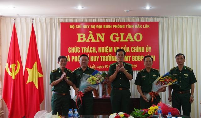 Bàn giao chức trách, nhiệm vụ Chính ủy và Phó Chỉ huy trưởng Bộ đội Biên phòng tỉnh Đắk Lắk