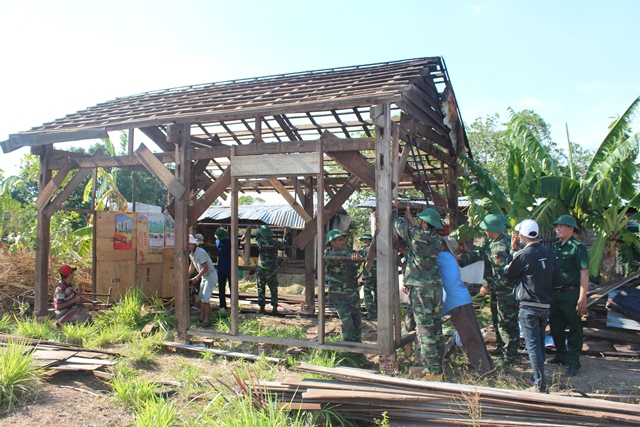 Bộ đội Biên phòng tỉnh Đắk Lắk triển khai lực lượng giúp dân sau thiên tai