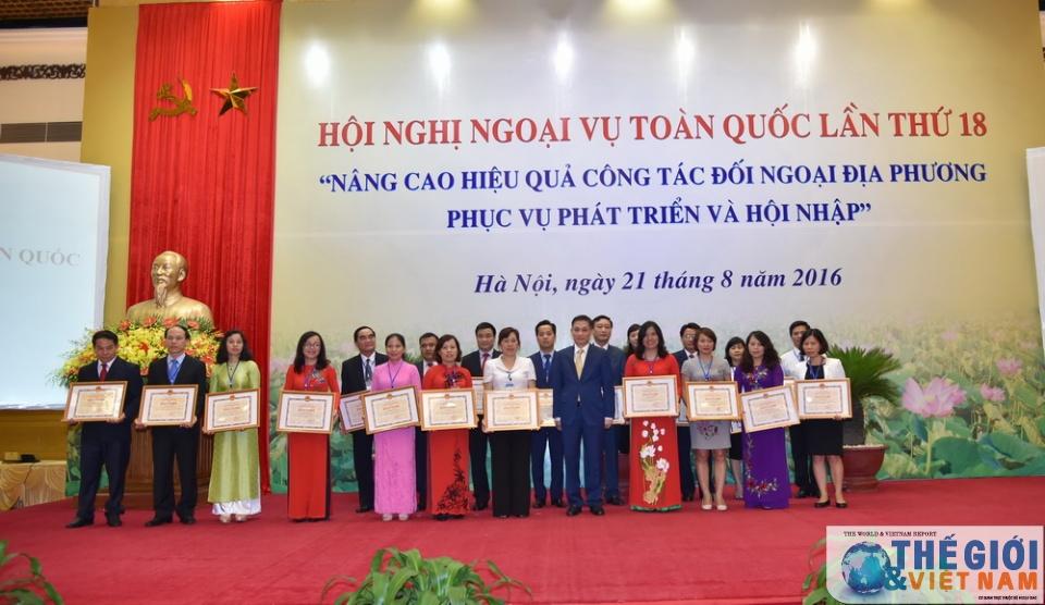 Tham mưu khen thưởng nhân dịp Hội nghị Ngoại vụ toàn quốc lần thứ 19.