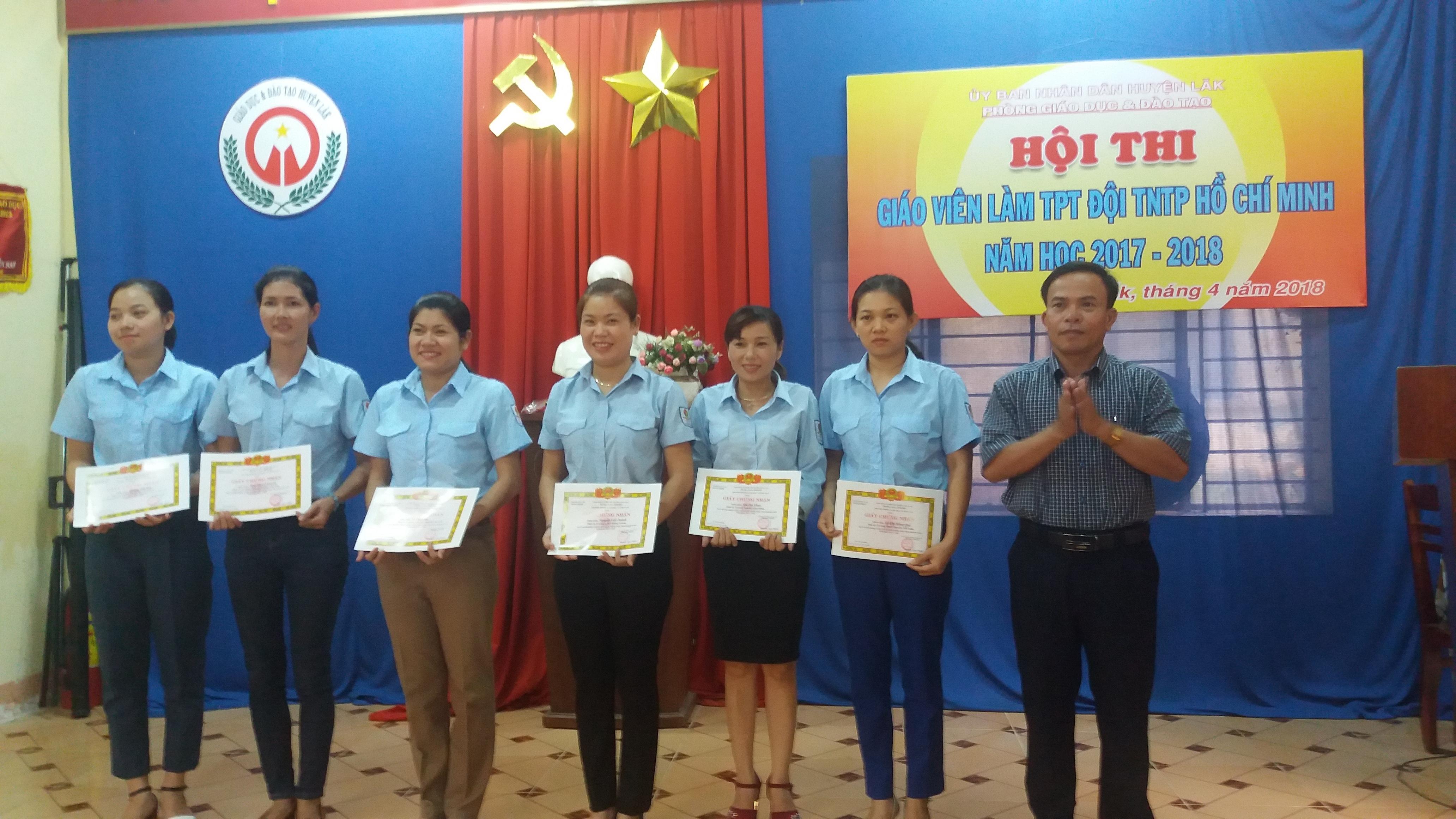 Bế mạc Hội thi Giáo viên làm Tổng phụ trách Đội huyện Lắk năm học 2017 - 2018