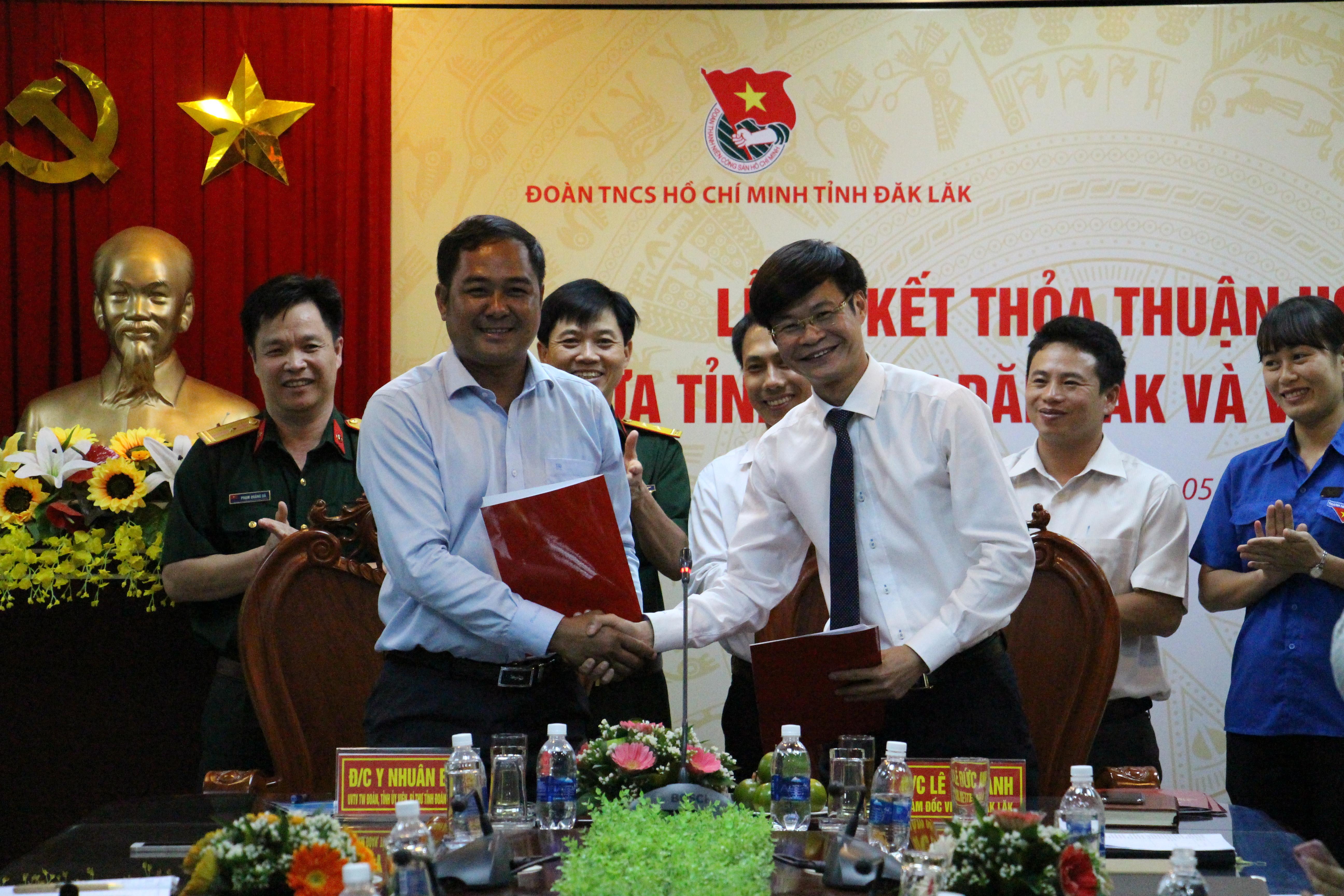 Tỉnh đoàn và Viettel Đắk Lắk ký kết thỏa thuận hợp tác