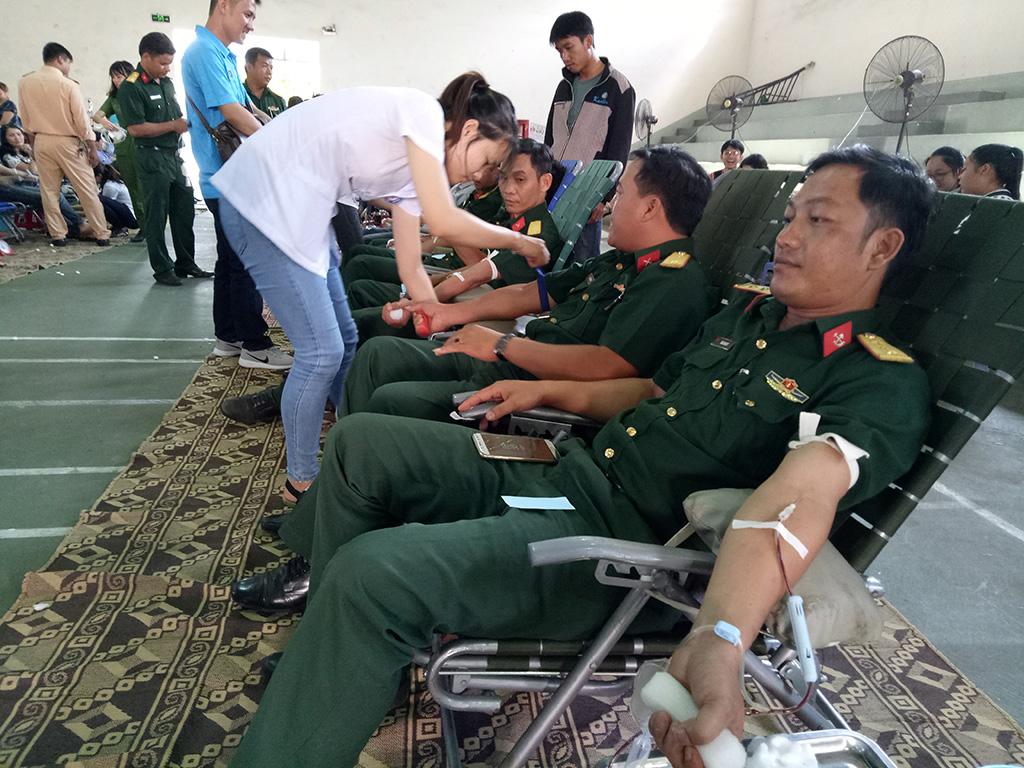 Huyện Cư M'gar tổ chức hiến máu nhân đạo đợt I/2018