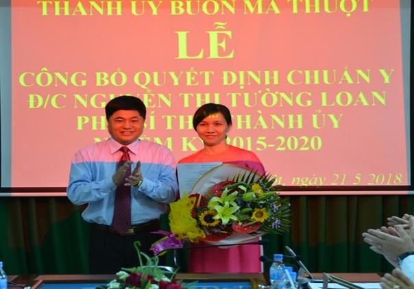 Công bố quyết định chuẩn y chức danh Phó Bí thư Thành ủy Buôn Ma Thuột, nhiệm kỳ 2015 – 2020