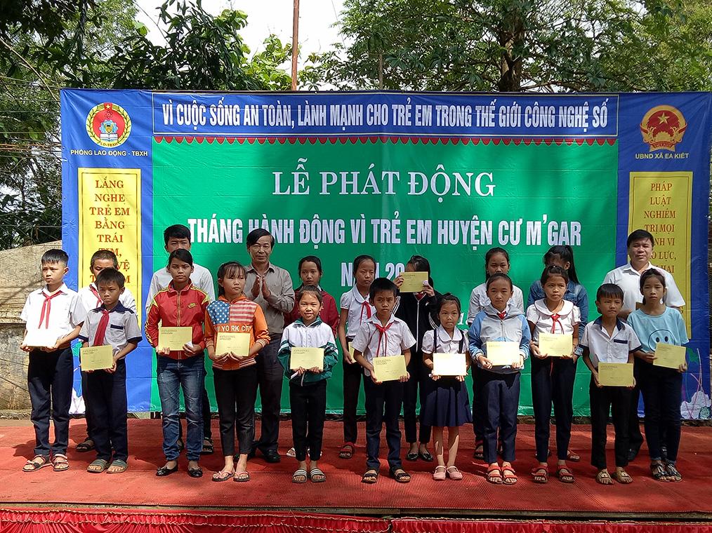 Huyện Cư M'gar tổ chức lễ phát động Tháng hành động vì trẻ em năm 2018