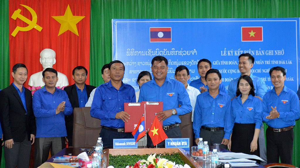 Đắk Lắk và Chămpasắk (Lào) ký biên bản ghi nhớ hợp tác về công tác thanh thiếu nhi