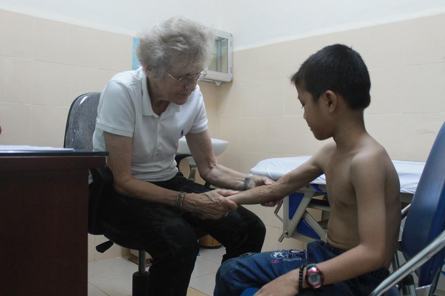 Gần 120 trẻ em có hoàn cảnh khó khăn được khám sàng lọc, tư vấn, hỗ trợ phẫu thuật miễn phí.