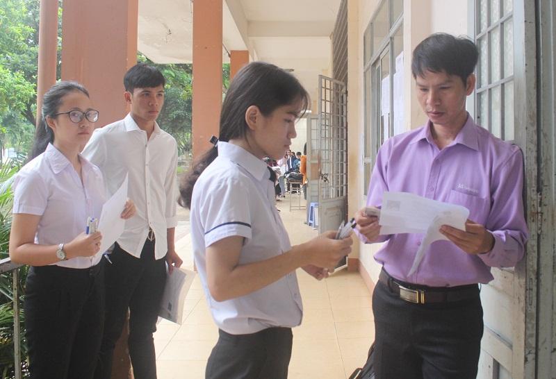 Kỳ thi THPT Quốc gia năm 2018: Toàn tỉnh có 21.332 thí sinh dự thi môn Ngữ Văn, đạt tỉ lệ 99,46%.