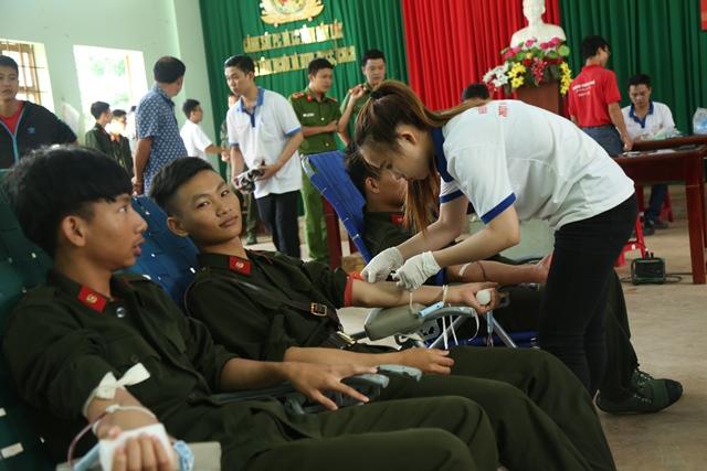 Cảnh sát PC&CC tỉnh tổ chức Ngày hội hiến máu tình nguyện