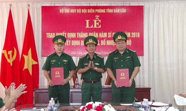 Bộ đội Biên phòng tỉnh trao quyết định điều động, bổ nhiệm cán bộ