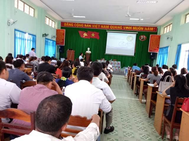 Hội nghị đối thoại, tuyên truyền về Luật BHXH, BHYT và Pháp luật lao động cho cán bộ công đoàn cơ sở và người lao động một số doanh nghiệp trên địa bàn huyện.