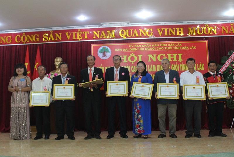 Biểu dương người cao tuổi làm kinh tế giỏi tỉnh Đắk Lắk lần thứ III, giai đoạn 2012 - 2017