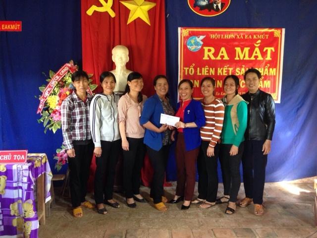Hội Liên hiệp Phụ nữ xã Ea Kmút, huyện Ea Kar ra mắt Tổ liên kết sản phẩm an toàn thực phẩm