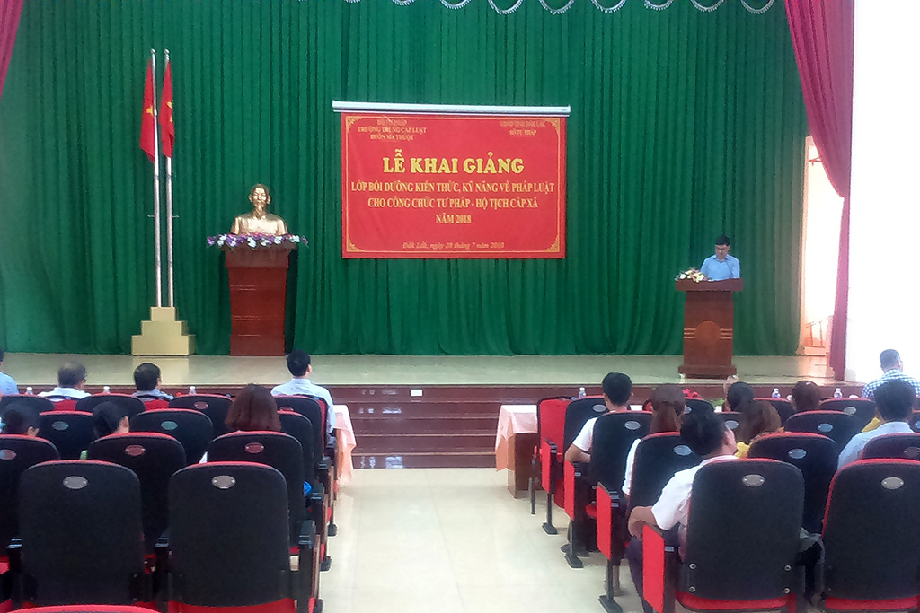 Trường Trung cấp Luật Buôn Ma Thuột tổ chức khai giảng Lớp bồi dưỡng nghiệp vụ hộ tịch tại tỉnh Đắk Lắk năm 2018