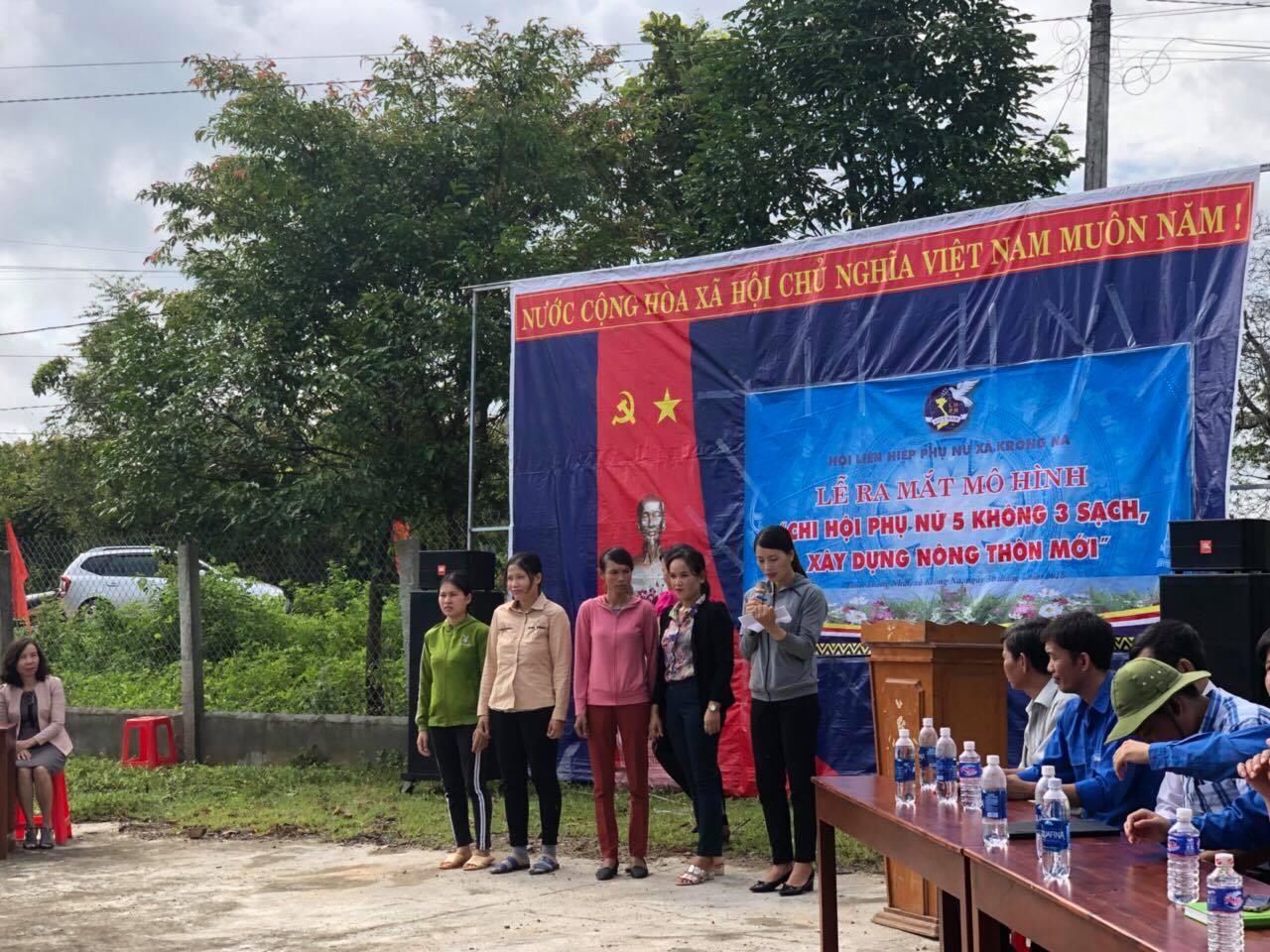 """Hội LHPN tỉnh Đắk Lắk ra mắt mô hình """"Chi hội phụ nữ 5 không 3 sạch"""" tại  xã biên giới"""
