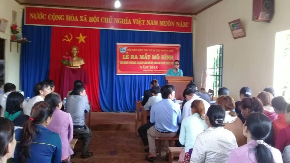 """Hội LHPN huyện Krông Búk ra mắt mô hình """"Gia đình 5 không 3 sạch gắn với vệ sinh an toàn thực phẩm"""""""