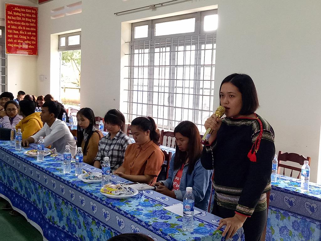 Hội LHTN huyện Cư M'gartổ chức gặp mặt sinh viên dân tộc thiểu số