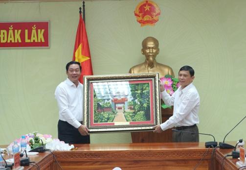 Đoàn Công tác của Ban Chỉ đạo 389 thành phố Hà Nội làm việc với UBND tỉnh Đắk Lắk