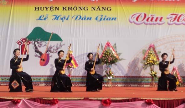 Báo cáo về kết quả 02 năm thực hiện nếp sống văn minh trong việc cưới, việc tang, lễ hội đối với cán bộ, đảng viên
