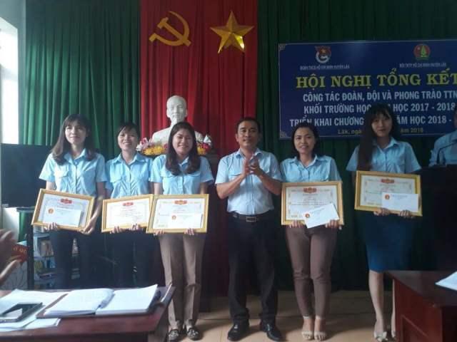 Huyện Lắk tổng kết công tác Đoàn, Đội và phong trào thanh thiếu nhi khối trường học, năm học 2017 - 2018