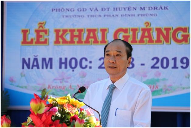 Chủ tịch UBND tỉnh Phạm Ngọc Nghị dự Lễ khai giảng tại xã Krông Á, huyện M' Đrắk