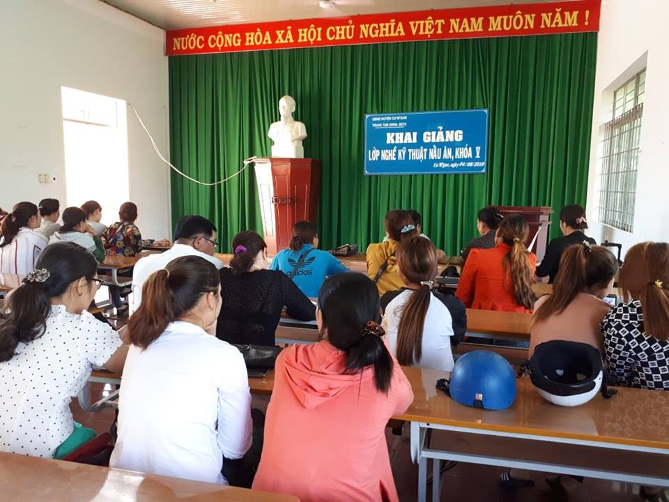 Huyện Cư M'gar: Khai giảng lớp kỹ thuật nấu ăn cho hội viên phụ nữ