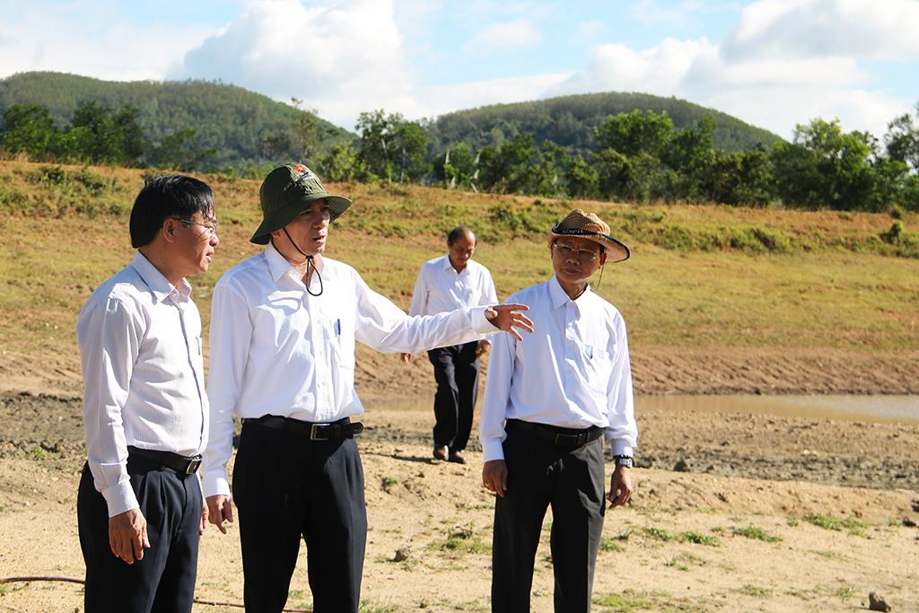 Chủ tịch UBND tỉnh Phạm Ngọc Nghị thị sát các công trình thủy lợi trên địa bàn huyện M' Đrắk