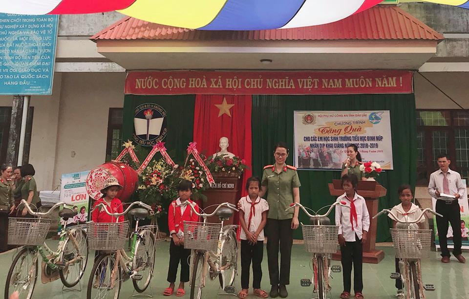 Hội LHPN huyện Krông Pắc: nhiều hoạt động tiếp sức trẻ em nghèo đến trường