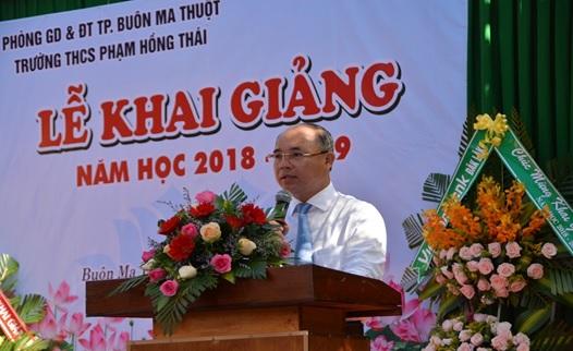 Chủ tịch UBND thành phố Buôn Ma Thuột dự Lễ khai giảng năm học 2018 – 2019 tại trường THCS Phạm Hồng Thái