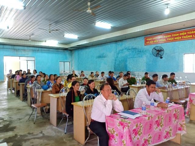 Hội Liên hiệp Phụ nữ phường Bình Tân, thị xã Buôn Hồ tổ chức Hội nghị Đối thoại giữa người đứng đầu cấp ủy, chính quyền với cán bộ, hội viên, phụ nữ.