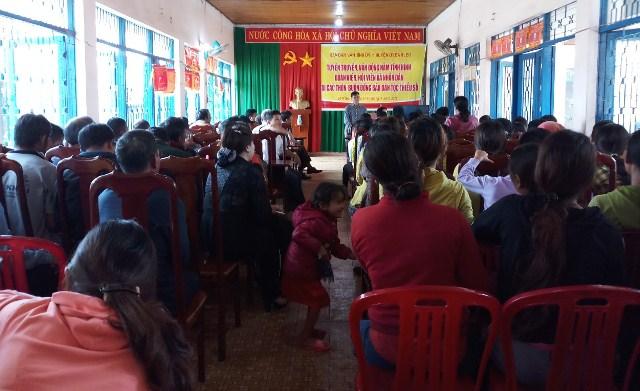Hội Liên hiệp Phụ nữ huyện Ea H'leo phối hợp với các ban, ngành, đoàn thể cùng cấp tổ chức tuyên truyền, vận động, nắm tình hình đoàn viên, hội viên và nhân dân tại Buôn tri B xã Đliê Yang.