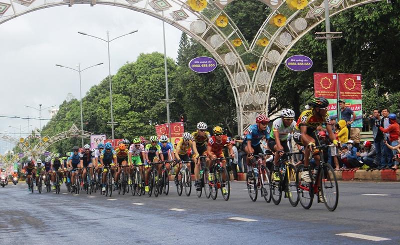 Chặng 12 Giải xe đạp quốc tế VTV Cúp Tôn Hoa Sen 2018: Im Jaeyeon xuất sắc về nhất chặng