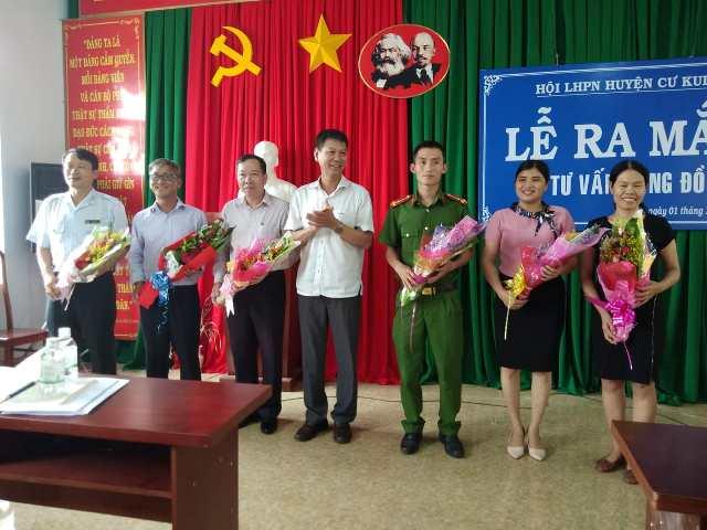 Hội LHPN huyện Cư Kuin ra mắt Tổ Tư vấn cộng đồng cấp huyện