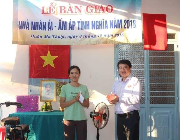 Thành phố Buôn Ma Thuột: Bàn giao Nhà nhân ái - ấm áp tình nghĩa cho hội viên phụ nữ nghèo
