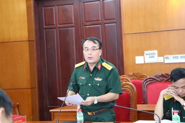 Đại diện Bộ chỉ huy Quân sự tỉnh phát biểu tại hội nghị