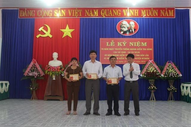 Ủy ban Kiểm tra Huyện ủy M'Đrắk: Tổ chức Lễ kỷ niệm 70 năm Ngày truyền thống Ngành kiểm tra Đảng (16/10/1948 – 16/10/2018)