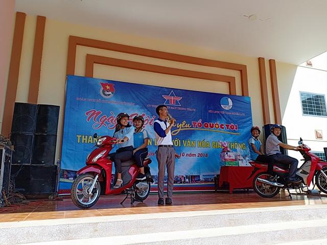 Ngày hội Tôi yêu tổ quốc tôi, thanh niên huyện Lắk với văn hóa giao thông năm 2018