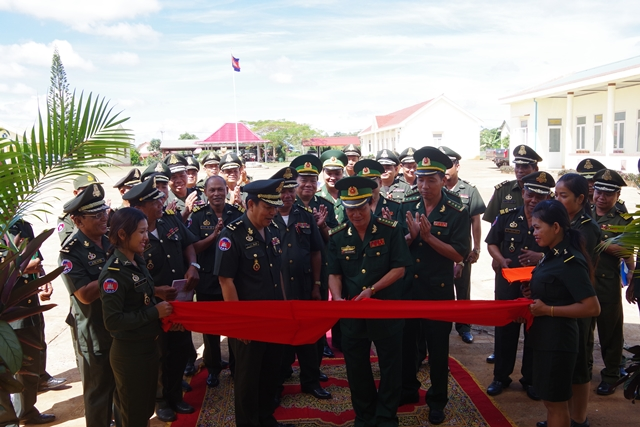 Khánh thành công trình hữu nghị tại Tiểu khu quân sự Mondulkiri, Campuchia