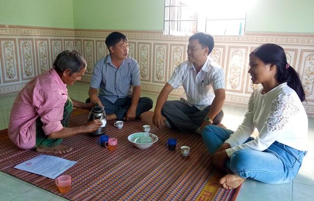 Trao nhà Tình nghĩa tặng gia đình chính sách ở xã Đắk Phơi