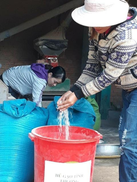 Hũ gạo tiết kiệm giúp đỡ phụ nữ nghèo ở xã Cư M'gar, huyện Cư M'gar