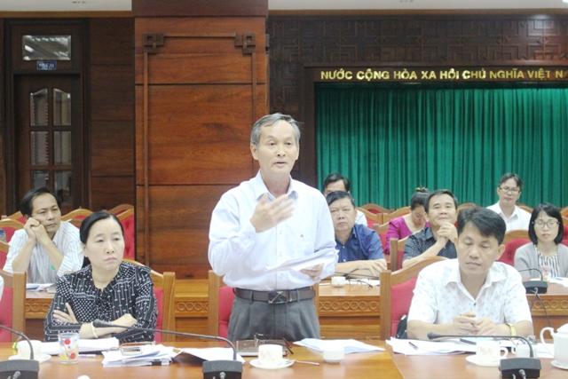 Giám đốc BHXH tỉnh Trương Văn Sáng tham gia ý kiến tại cuộc họp