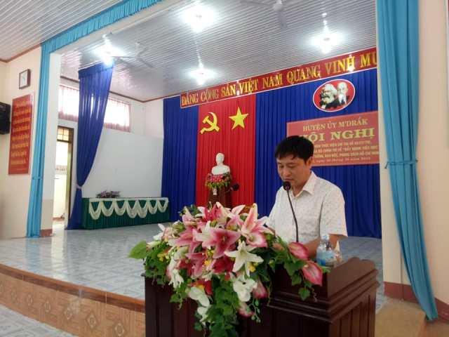 Đồng chí Hồ Duy Thành – Bí thư Huyện ủy phát biểu tại Hội nghị