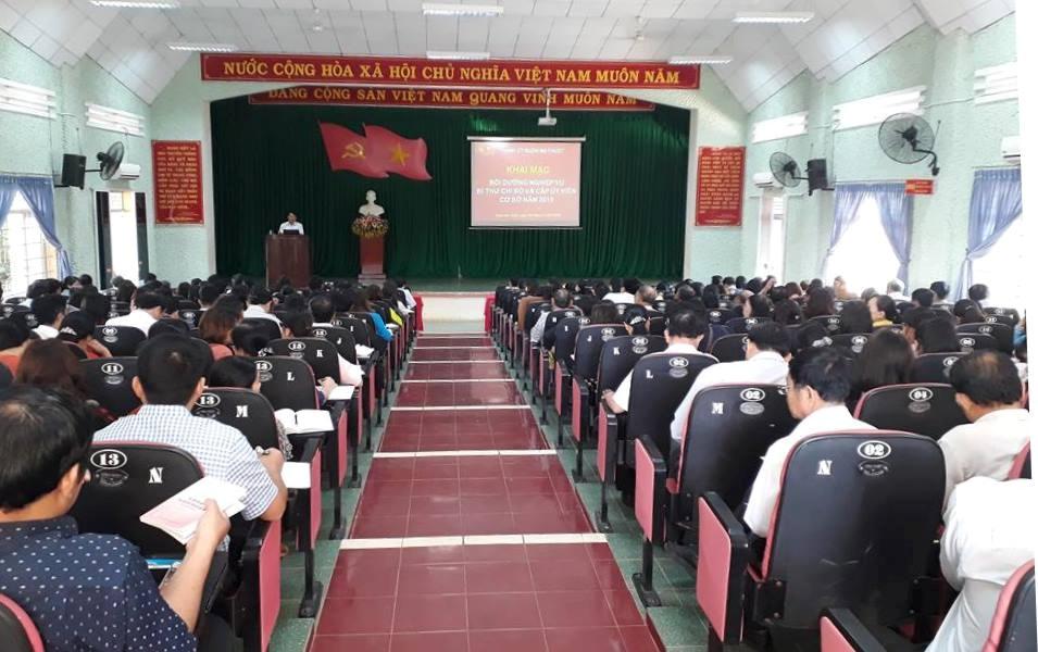 Thành ủy Buôn Ma Thuột tổ chức Hội nghị tập huấn bồi dưỡng nghiệp vụ Bí thư Chi bộ và Cấp ủy viên cơ sở năm 2018