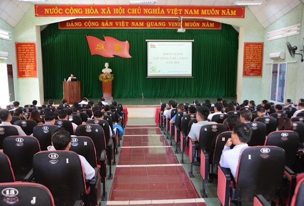 Thành phố Buôn Ma Thuột, khai giảng lớp học chữ và tiếng Ê Đê cho 143 cán bộ, công chức thành phố và xã, phường