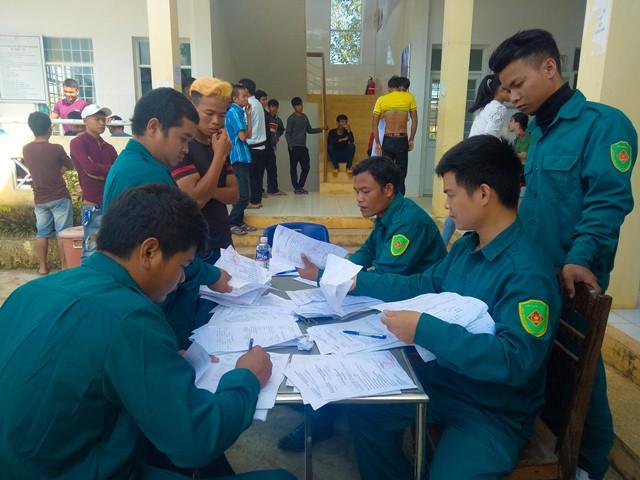 Công tác tuyển khám nghĩa vụ quân sự tại 3 điểm xã Krông Nô, Nam Ka và Ea Rbin