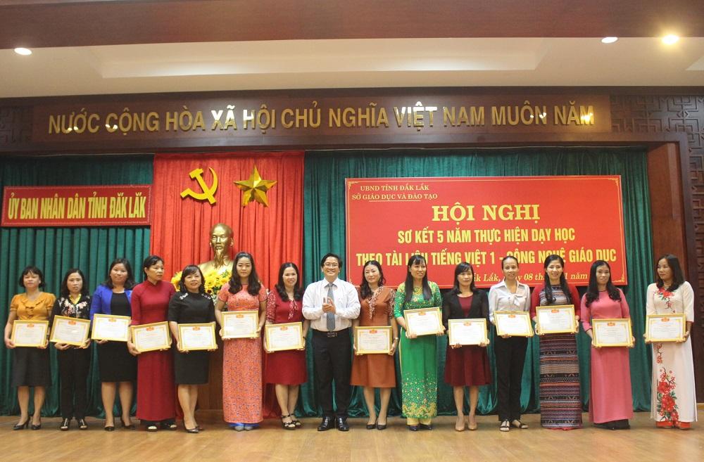 Sơ kết 5 năm thực hiện dạy học theo tài liệu Tiếng Việt 1 – Công nghệ giáo dục