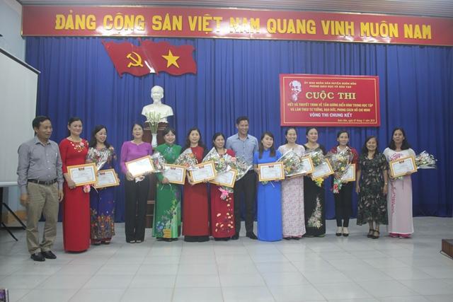 Chung kết Hội thi viết và thuyết trình về tấm gương điển hình trong học tập và làm theo tư tưởng, đạo đức, phong cách Hồ Chí Minh